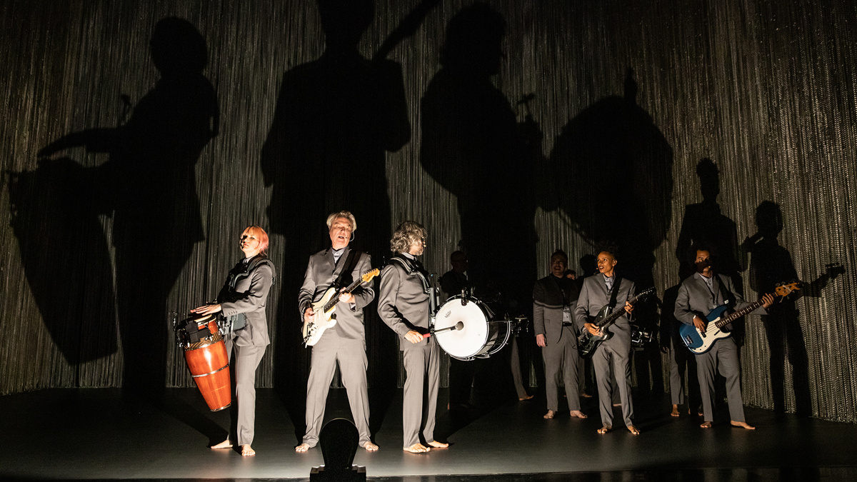 Show Photos - American Utopia - 10/19 - David Byrne - Photo: Matthew Murphy